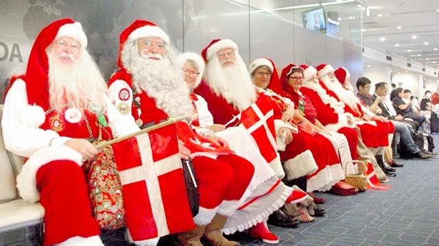 a day with the authorized santa claus glico global official site